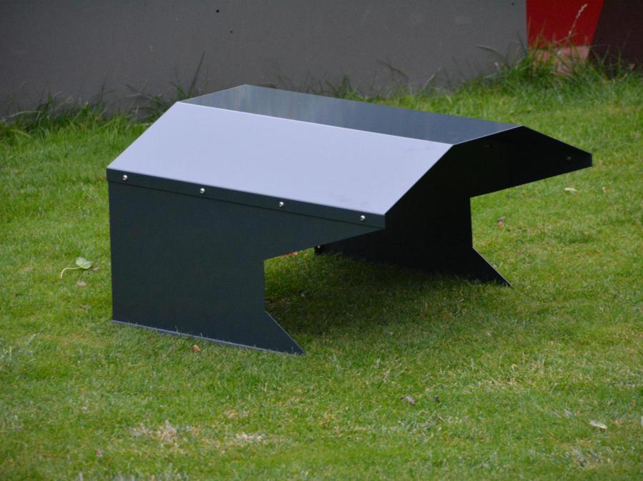 rasenroboter garage. Black Bedroom Furniture Sets. Home Design Ideas